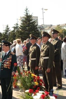 Возложение в честь окончания Второй мировой войны 2.09.2010-4