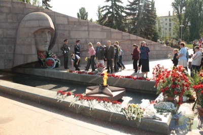 Возложение в честь окончания Второй мировой войны 2.09.2010-17